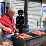 Stand Barbecue -- Sandwiches : Merguez Hallal, Chipolata maison aux herbes, ...
