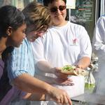 Brocante de Roissy 2009 -- Préparation des sandwiches.