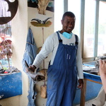 SOS Madagascar 2014 11 5004 -- Artisanat local de la corne